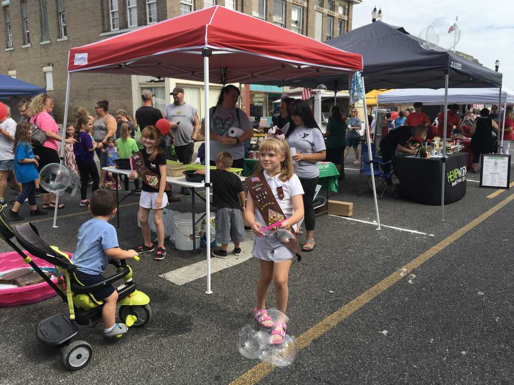 VIDEO: Visitors to Brazil Main Street's 4th annual Route 40 Fest  come early