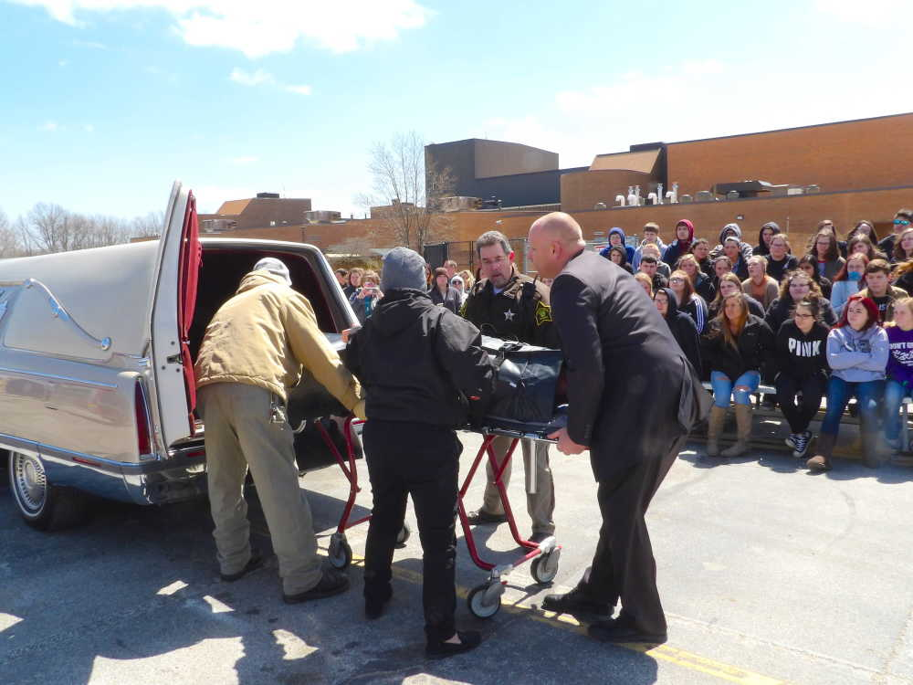 Local News: Accident simulation shows local teenage students the ...